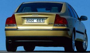 Volvo S60 D5 año 2001 trasera