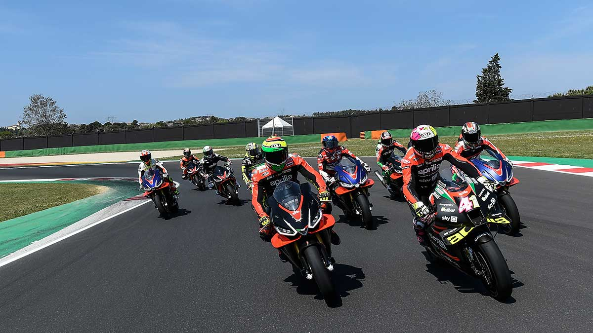 Los grandes campeones de Aprilia se juntan en el circuito de Misano