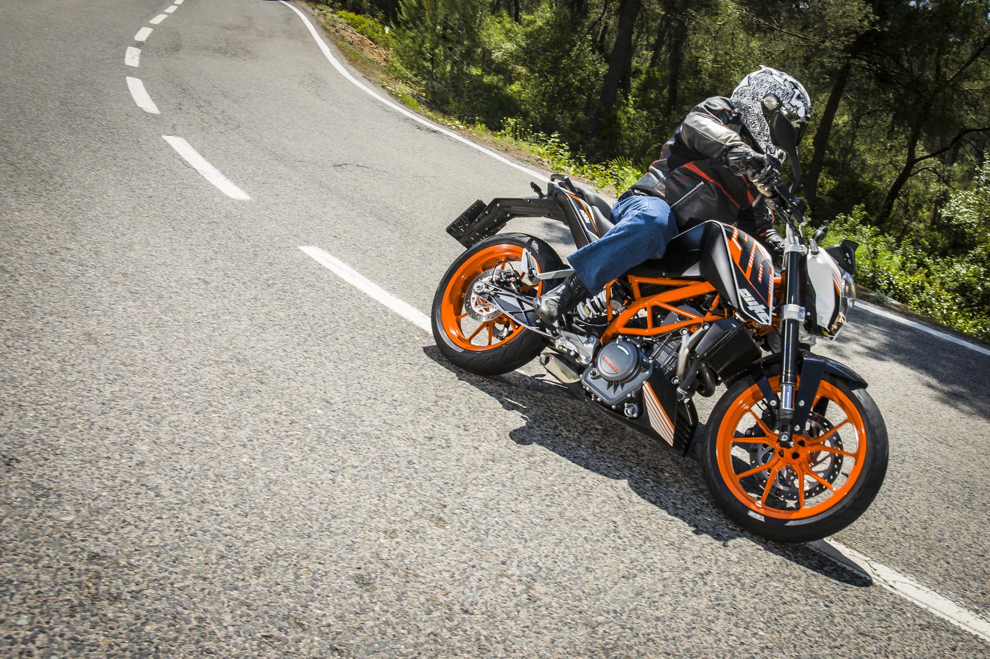 Así va la nueva KTM 390 Duke