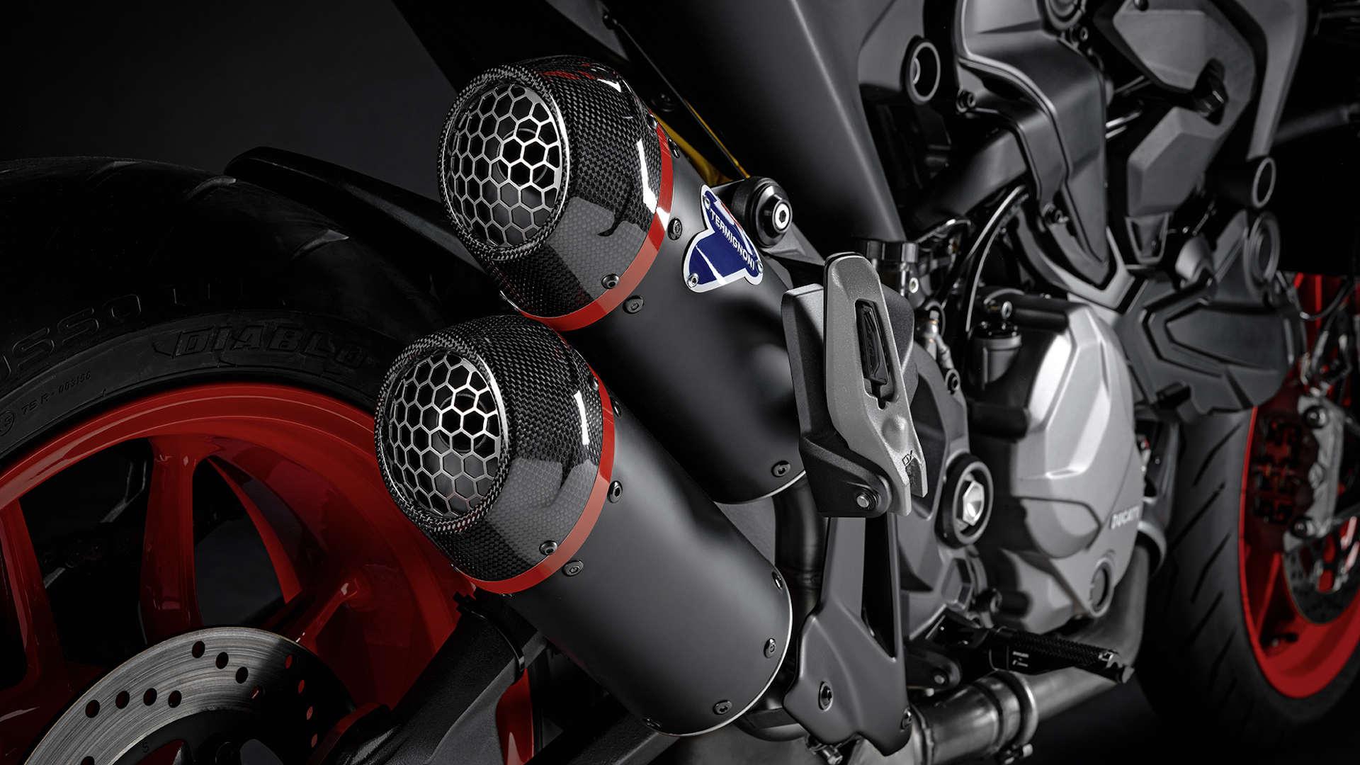 Personaliza tu Ducati Monster aún con estos dos kits complementarios
