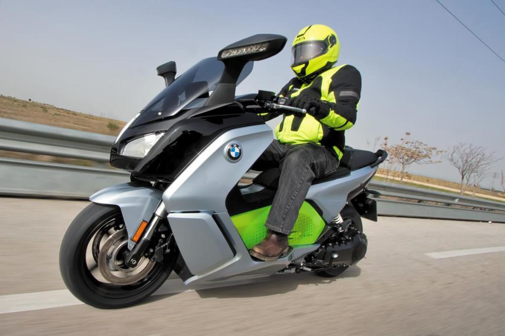 Qué moto eléctrica puedes comprar a día de hoy en España