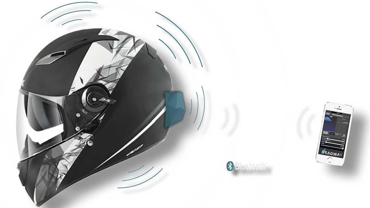 Estimada una sentencia por el uso de un dispositivo Bluetooth en el casco de moto