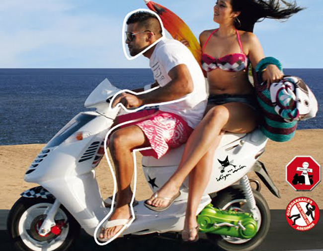 ¿Se puede conducir una moto o scooter en chanclas?