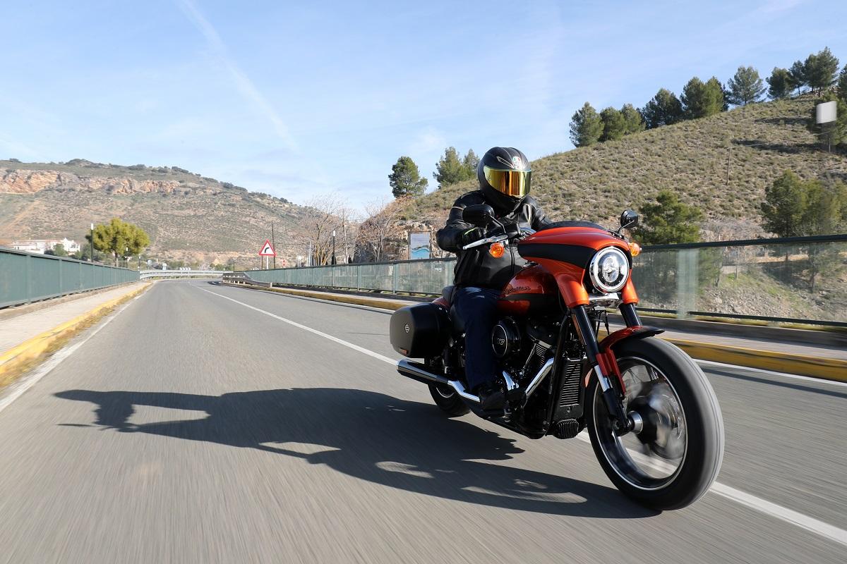 Prueba Harley-Davidson Sport Glide: Sport-turismo en clave H-D