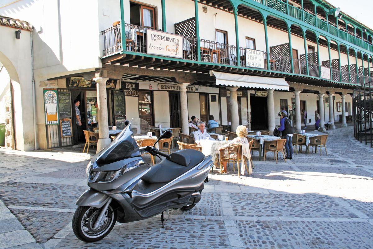 Ruta con el Piaggio X10 350 por 'Las Vegas' de España
