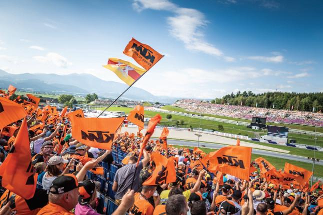 ktm grandstand02