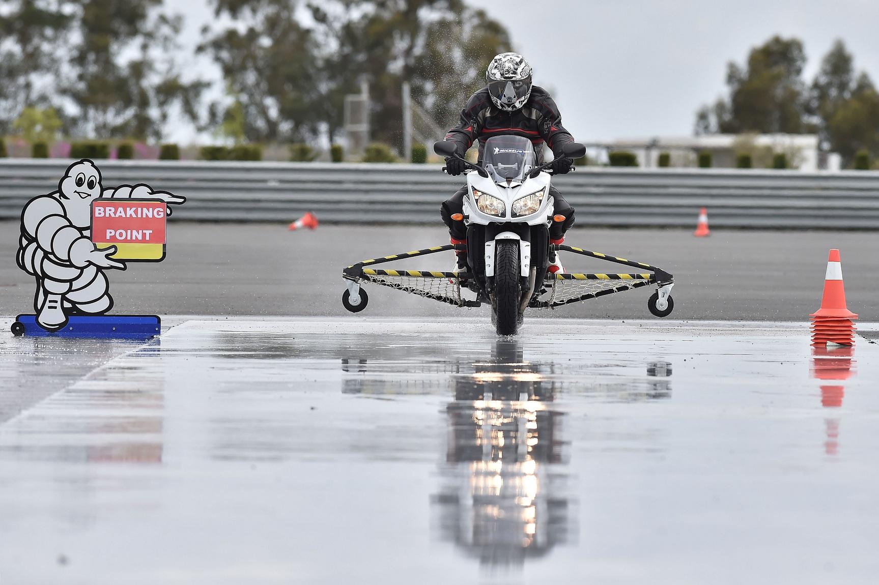 Michelin Pilot Road 4 en acción