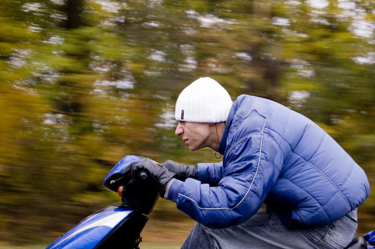 Cuáles son las multas por conducir sin casco de moto