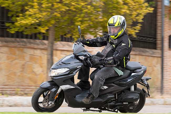 Prueba MX Motor Bolt 125: Estilo juvenil a precio de básico