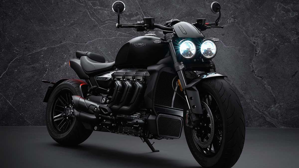 Triumph Rocket 3 R Black y GT Triple Black: todo al negro
