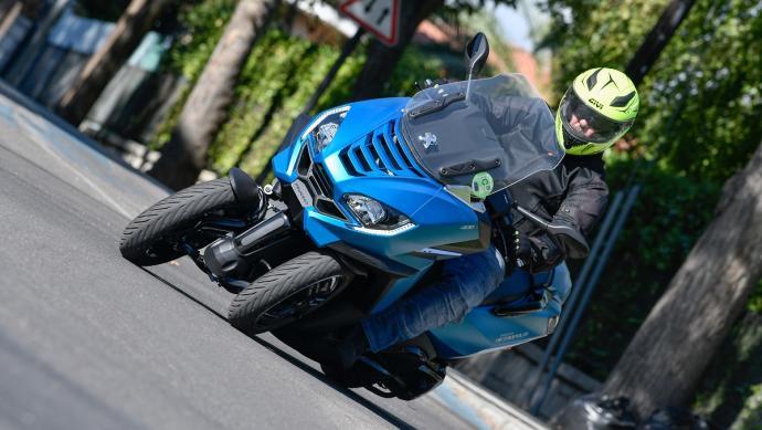 Gama Peugeot Motorcycles: 1 año de seguro a terceros gratis