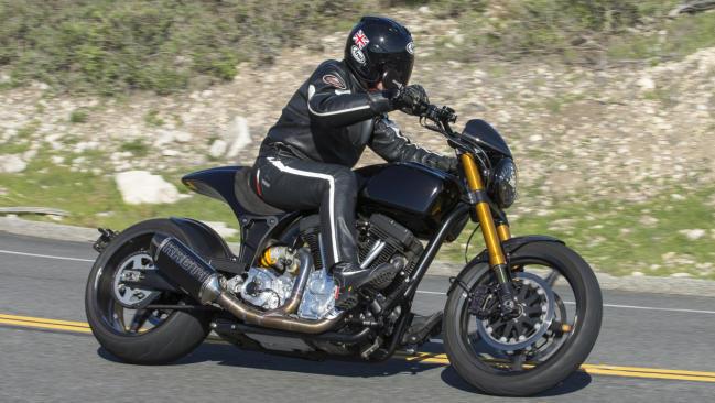 Prueba Arch Motorcycle KRGT-1: el sello de Keanu Reeves