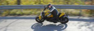 Fotos de la Ducati Monster 821 en acción