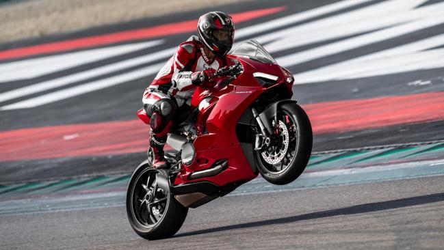 Ducati Panigale V2: renovación completa para la bicilíndrica italiana