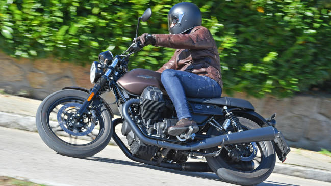 Prueba Moto Guzzi V7III Stone Night Pack: Más allá de la luz