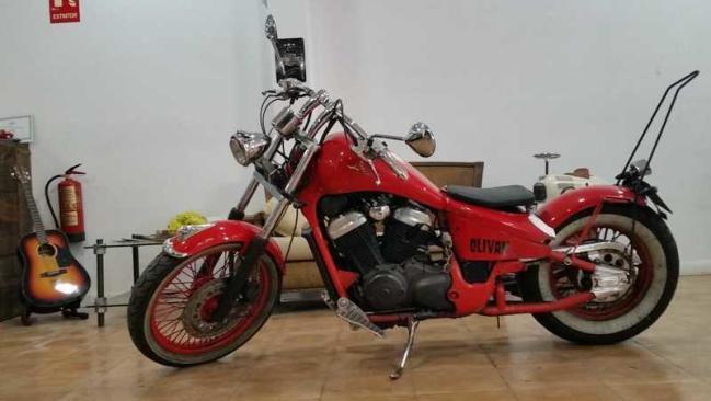Honda Shadow 600 BOBBER. Año 1992 Personalización «La Biela, Motor Company»