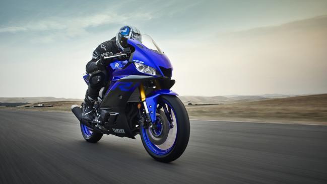 Yamaha YZF-R3 2019: ligeros cambios para hacerla más deportiva