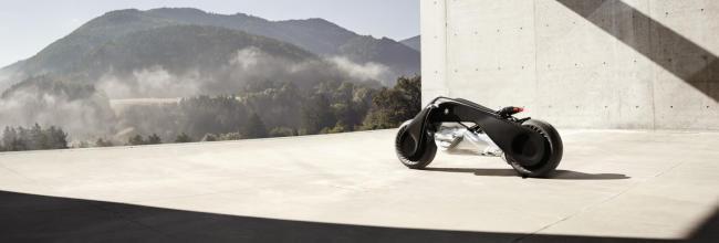 BMW Motorrad VISION NEXT 100: la moto que nunca cae