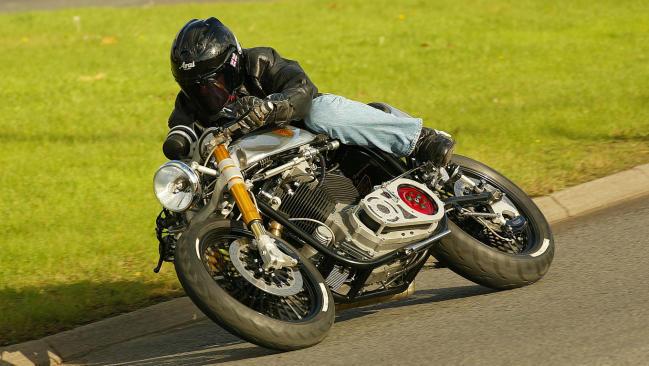 Ace Café Racer: pequeña dinamita