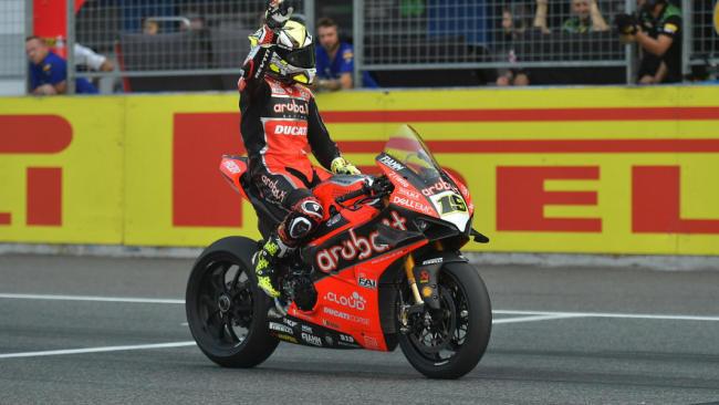 WSBK Tailandia: Álvaro Bautista saca el «martillo» para lograr un nuevo triplete en Superbikes