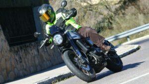 Fotos de la Benelli Leoncino Trail en acción