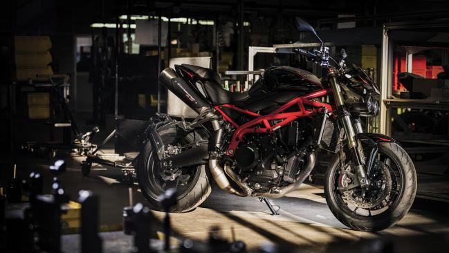 Moto Morini Corsaro 1200 ZZ 2019: la maxinaked se actualiza