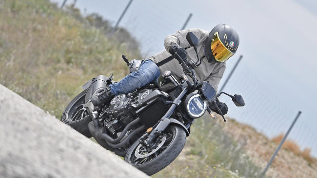 Prueba Honda CB 1000 R Black Edition: Black Beauty sobre ruedas