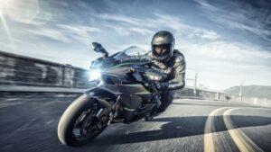 Fotos: Las 16 motos más potentes del mercado en 2021