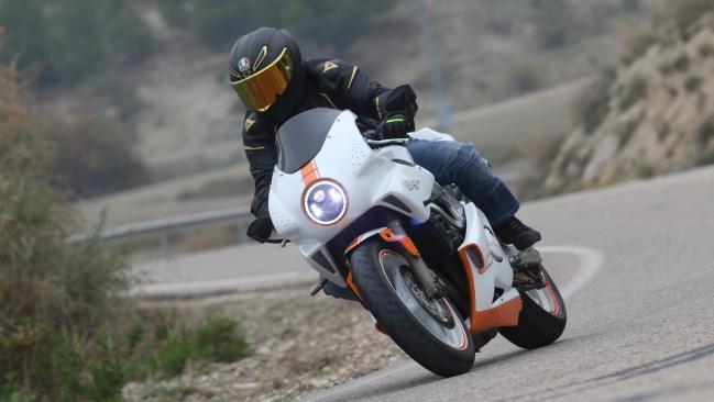 Prueba Dragon TT Cafe Racer 600 F: muy especial