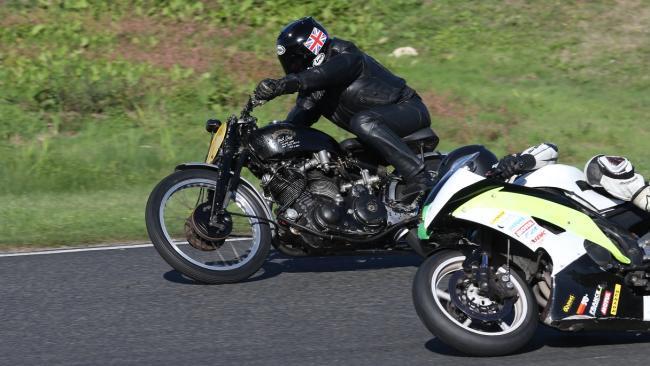 Prueba Vincent Black Lightning Series C: la moto del millón de dólares