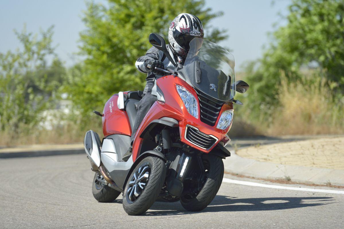 Peugeot Metropolis 400: Ofensiva tres ruedas