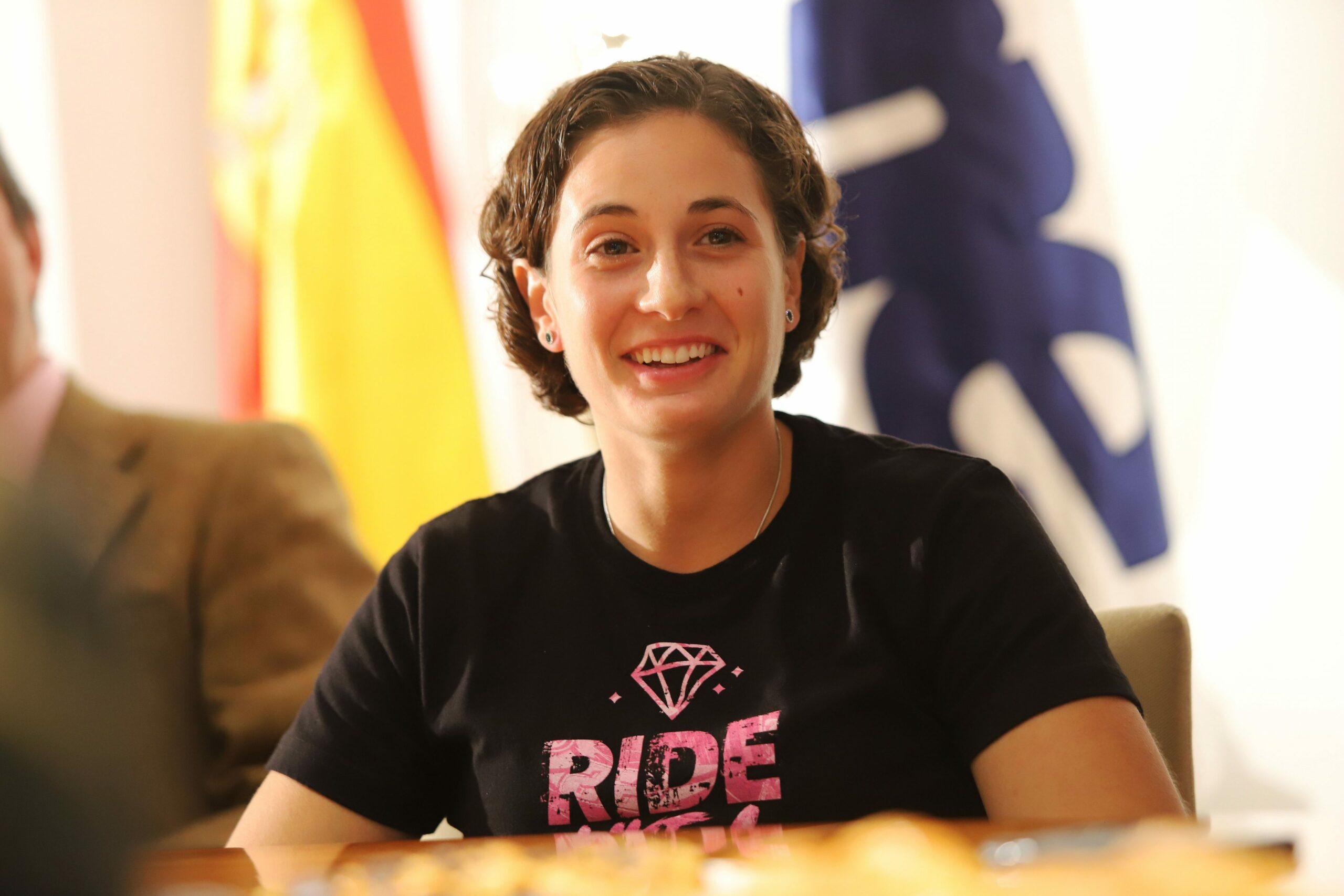 Ana Carrasco: «He demostrado que las mujeres somos igual que los hombres encima de la moto»