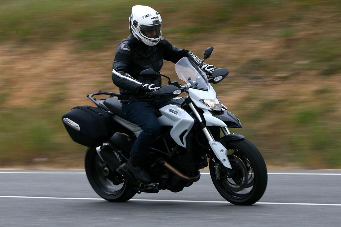 Así hemos visto la nueva Ducati Hyperstrada 2013