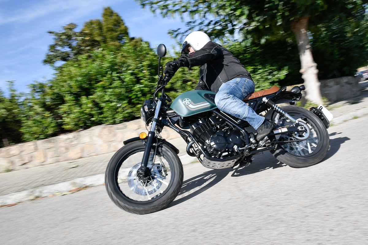 Prueba UM Motorcycles Scrambler X Naked: American Scrambler