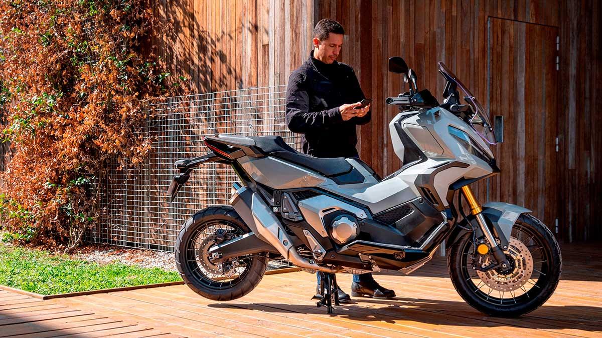 Honda presenta la conectividad en sus motos y scooters