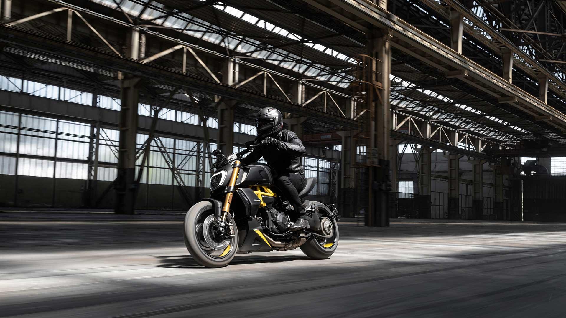 "Ducati Diavel 1260 S: nueva versión ""Black and Steel"""