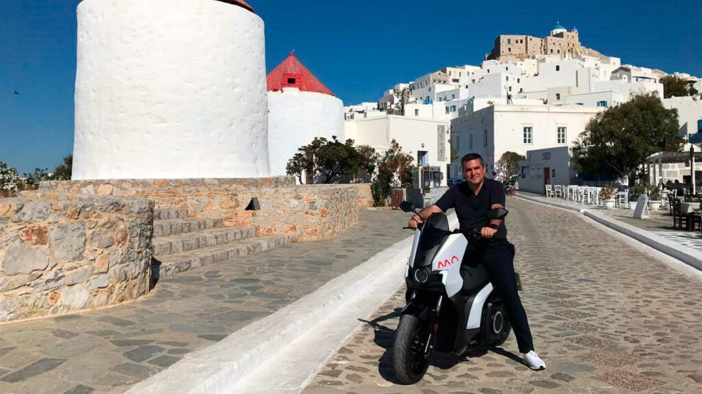 SEAT MO the road to electrifying a Greek island 04 HQ