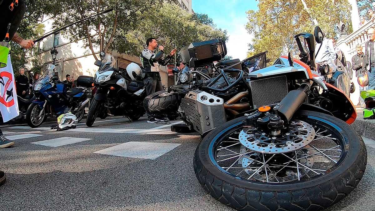 Más de 20.000 motoristas se echaron a las calles en defensa de sus derechos