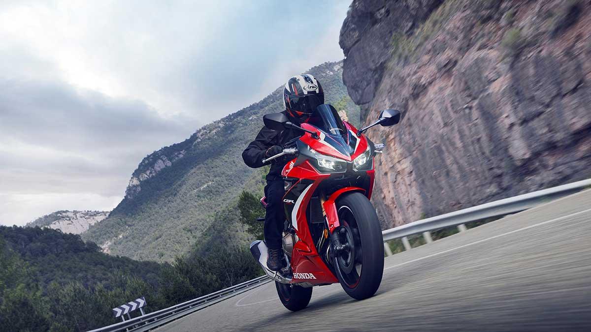 Honda CBR 500 R 2022: deportiva con todos los honores