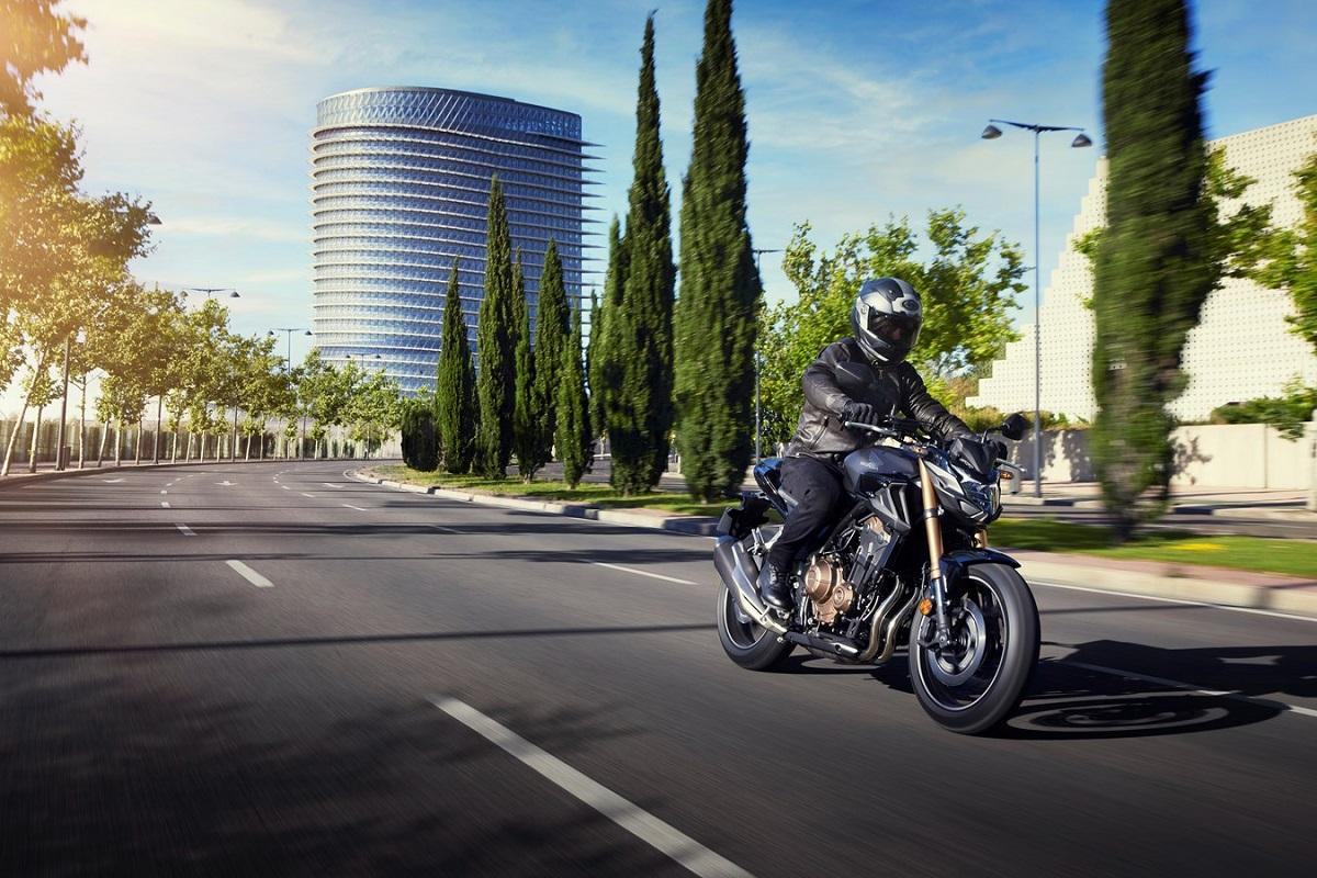 Honda CB 500 F 2022: mucho más equipada