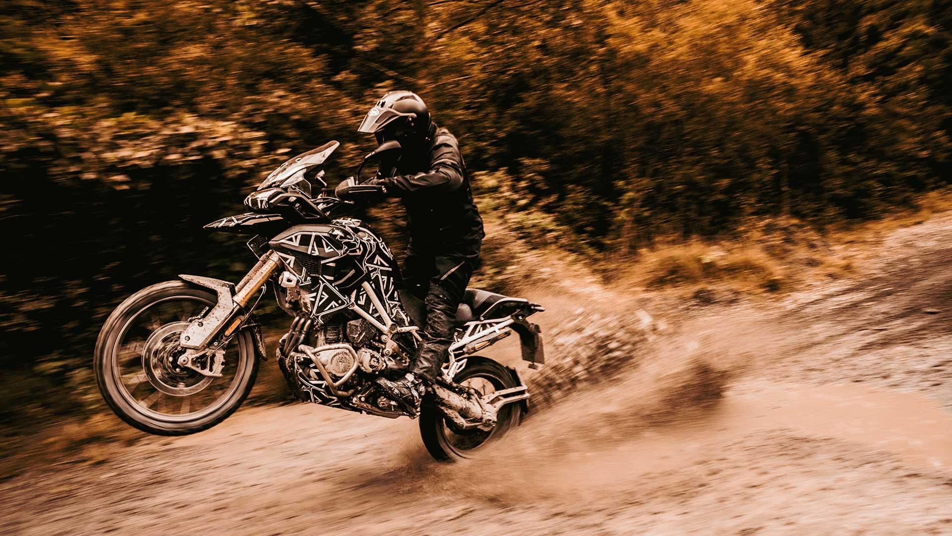 Triumph Tiger 1200 2022: con el motor de la Speed Triple 1200
