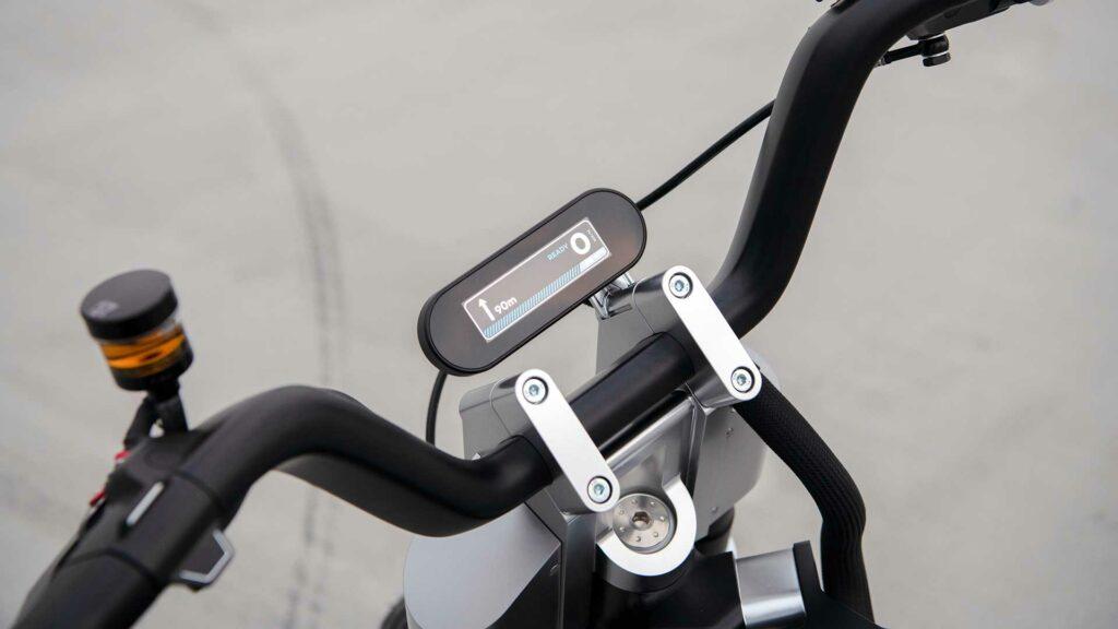 bmw-motorrad-concept-ce-02
