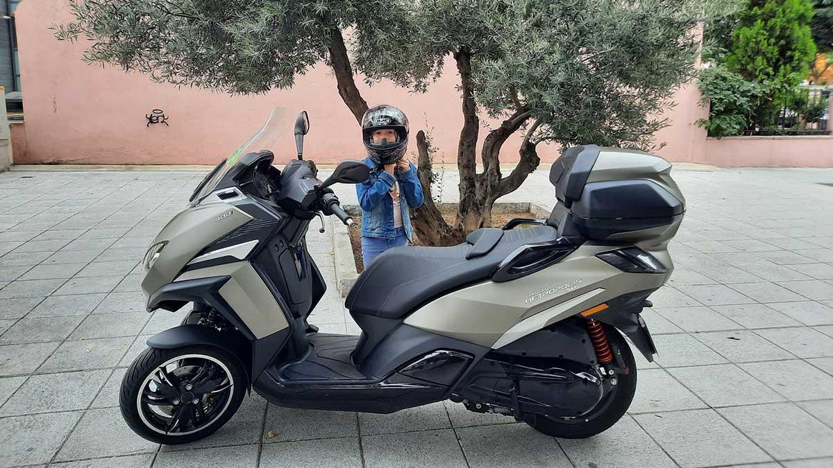 ¿Llevar a los niños al colegio en moto? Sí, pero siempre seguros