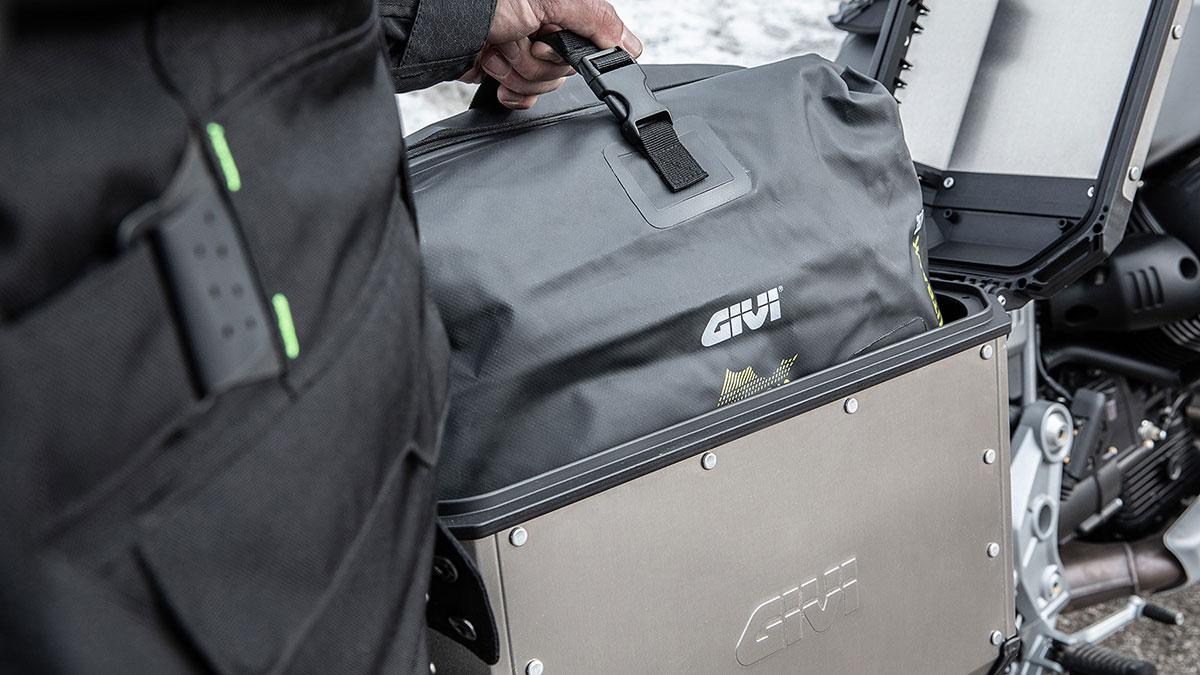 Protege tu equipaje con esta gama de accesorios de GIVI