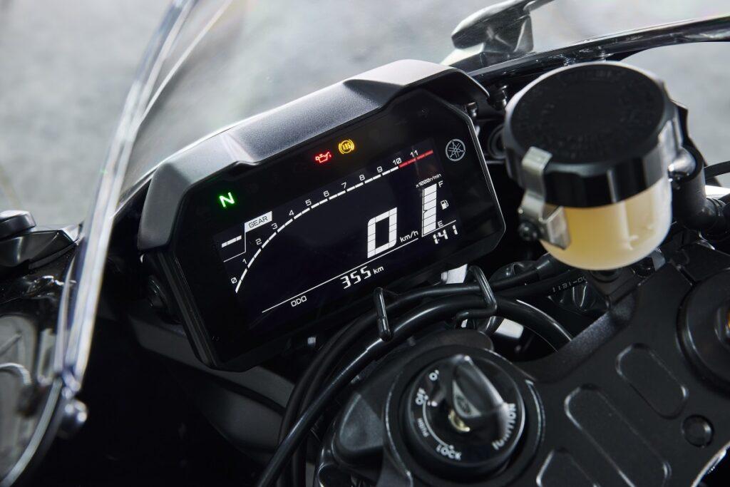 Yamaha R7 13
