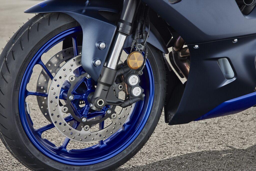 Yamaha R7 9