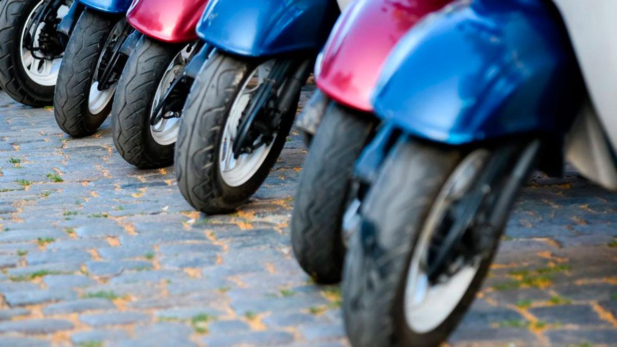 Un neumático a medio usar evacúa un 50% menos de agua